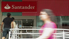 Condenan ao Santander a pagar as costas a demandantes por accións do Popular