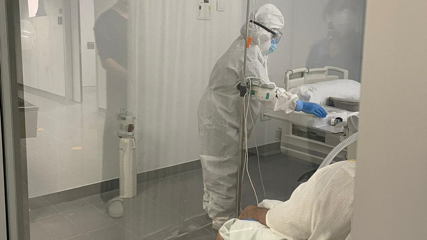 Sanitarios en un hospital. EUROPA PRESS