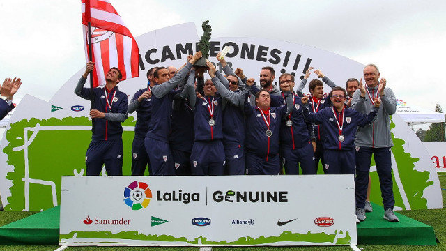 El Athletic celebra el título al Fair Play. LALIGA
