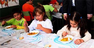 Dejan de prestar el servicio de comedor escolar las dos for Empresas comedores escolares