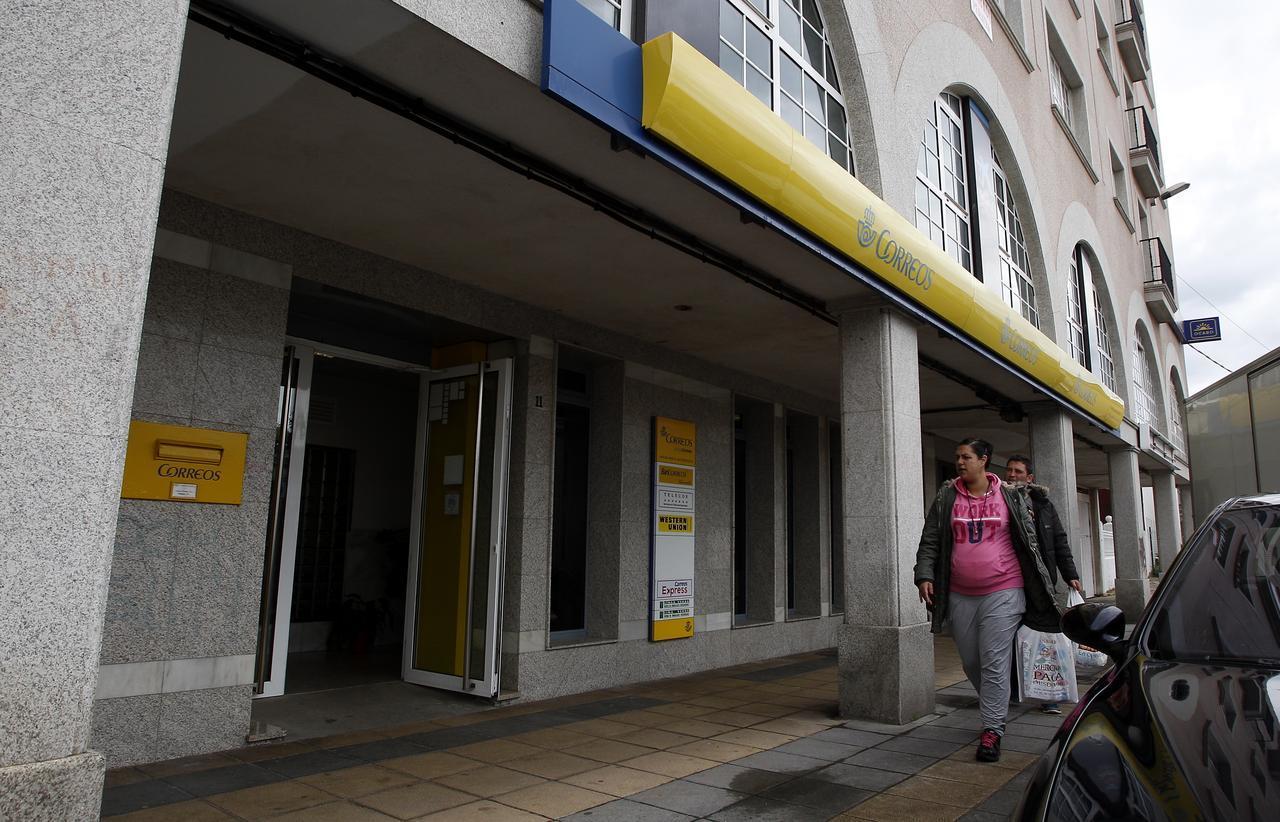 El voto por correo se dispara hasta un 85 m s que el for Oficina central de correos madrid
