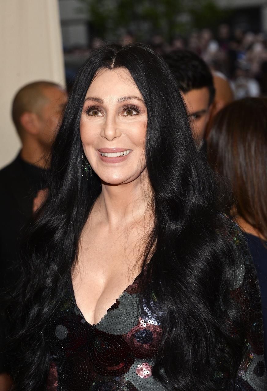 Fotos De Cher cher comienza a repartir su fortuna tras empeorar su estado