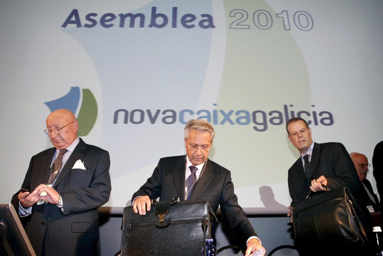 Los gestores de novacaixagalicia piden que se les suspenda for Oficinas novacaixagalicia madrid