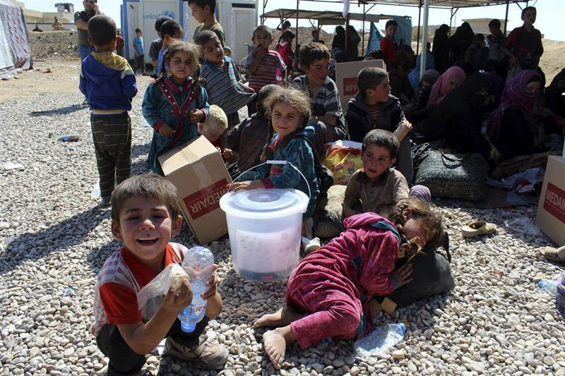 Resultado de imagen de niñas campo refugiados siria