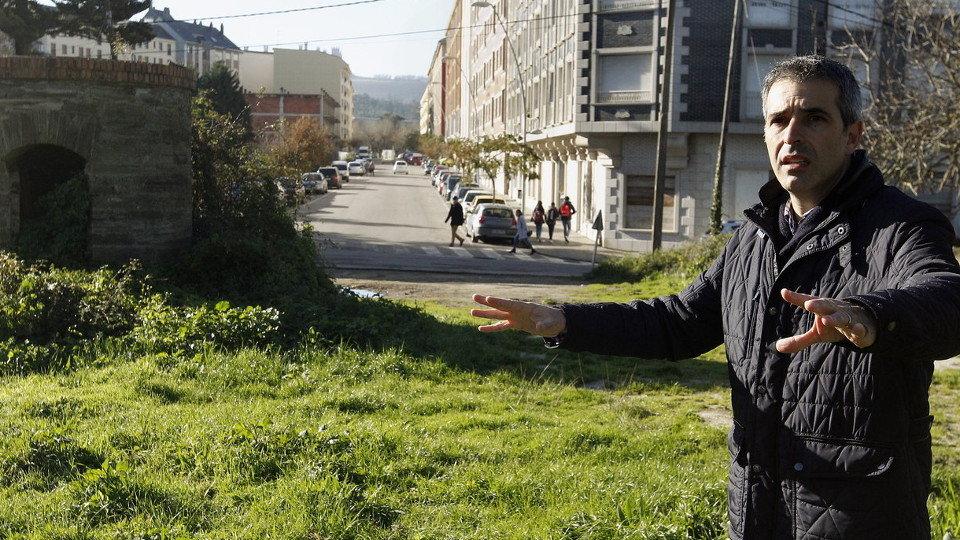 Suárez Barcia, juanto a la calle Rafael Fernández Cardoso, que se prolongará. JOSÉ Mª ÁLVEZ