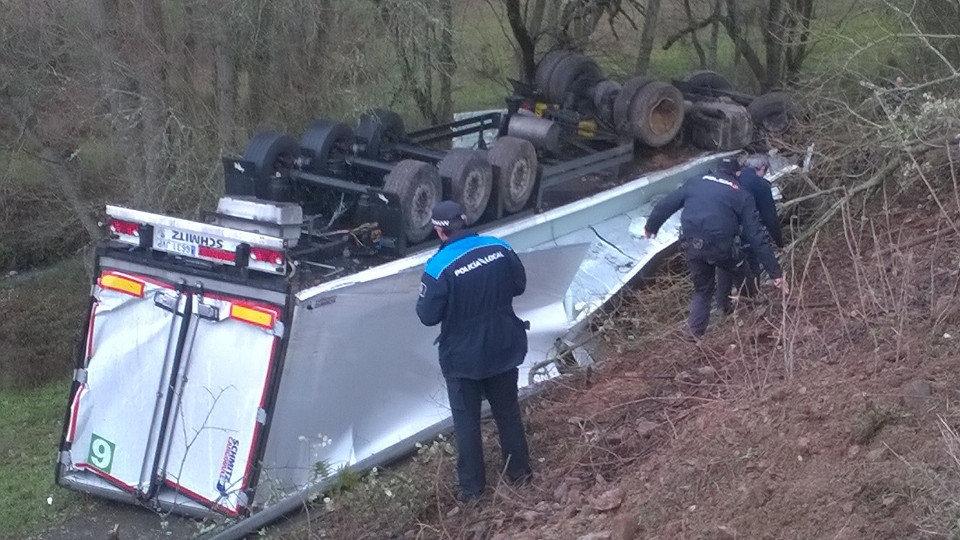 Un camionero muere en monforte tras colisionar con un - El tiempo en parga lugo ...