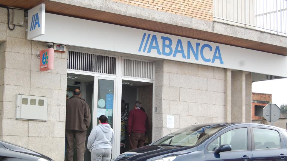 S p sube la nota de abanca un escal n por la mejora for Abanca oficinas madrid capital