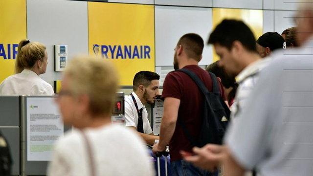 7e56fa6ef Fomento se reunirá con Ryanair para conocer su intención de cobrar ...