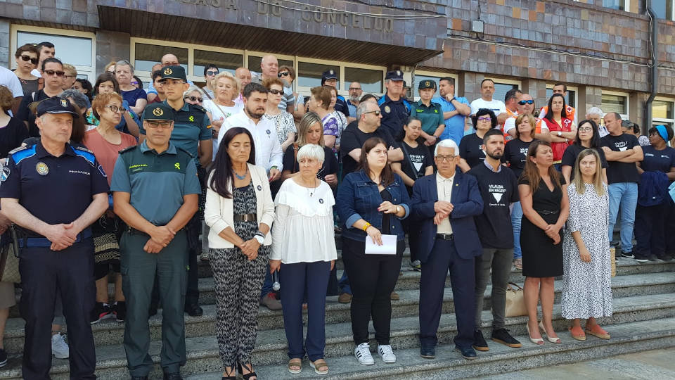 Decenas De Personas Se Concentran En Vilalba Contra La Violencia