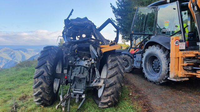 O tractor accidentado na Fonsagrada. EP